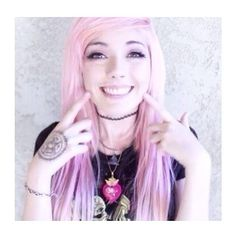 I really miss Leda. But honestly, she's better off without all the drama on the Internet. I sure hope she is finding herself and her happiness. <3