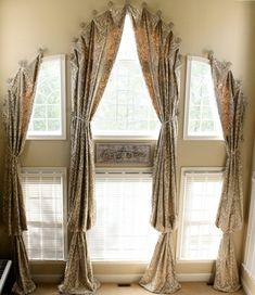 tende-per-mansarda-soluzione-quattro-elementi-stoffa-preziosa-fantasia-classica-legate-due-punti