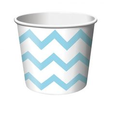 Ever so charming Chevron Stripe Treat Cups - Pastel Blue. An interesting collection of Chevron Cups & Glasses for Oktoberfest, Christmas at PartyBell. Orange Chevron, Pink Treats, Ice Cream Treats, Party Set, Party Cups, Party Time, Abc Party, Pony Party, Cupcake Stands