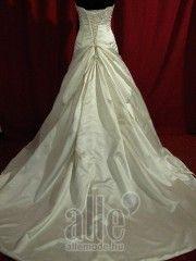 Esküvői ruha B-40326 ★★★ AlleMode esküvői ruhaszalon Budapest Teréz körút 12.