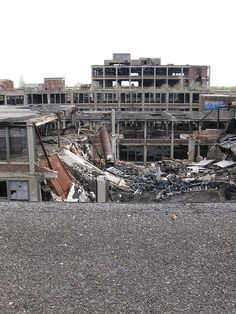 Detroit: Packard Plant, up on the roof