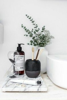 minimalist home accessories home accessories homeaccessories 48 Awesome Minimalist Bathroom Design Ideas Apartment Inspiration, Bathroom Inspiration, Interior Inspiration, Design Inspiration, Minimalist Bathroom Design, Minimalist Interior, Modern Interior, Interior Design, Minimal Bathroom
