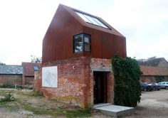 MoCoLoco is a web magazine dedicated to everything related to modern contemporary design and architecture Metal Building Homes, Building A House, Roof Window, Gable Roof, Roof Panels, Metal Buildings, Brickwork, Prefab, Frames On Wall
