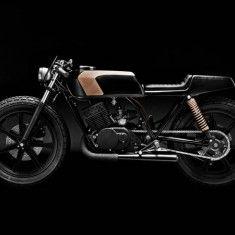 CLUB BLACK #3 - Yamaha RD 400