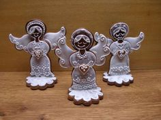 Gingerbread statues
