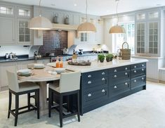 Bake your cake and eat it too in the beautiful kitchens at High Warren🍰 Open Plan Kitchen Living Room, Kitchen Family Rooms, Home Decor Kitchen, Kitchen Interior, Beautiful Kitchen Designs, Best Kitchen Designs, Beautiful Kitchens, Luxury Kitchen Design, Luxury Kitchens