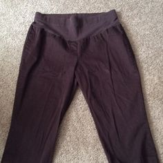 Motherhood Maternity Stretch Capris Large Dark brown capris in 16 maternity ,good condition. Motherhood Maternity Pants Ankle & Cropped