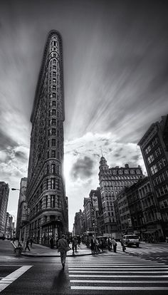 Inspirations for #TieUpsStyle. #UrbanStyle The Edges of the Flatiron Building (by Stuck in Customs)