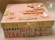 Caixa rosa palavras , espaço para foto. R$ 67,00