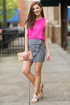 Trendy Clothes For Women, Trendy Outfits, Latest Fashion Trends, New Fashion, Mint Julep Boutique, Gingham Skirt, Hello Spring, Pattern Mixing, Skirt Fashion