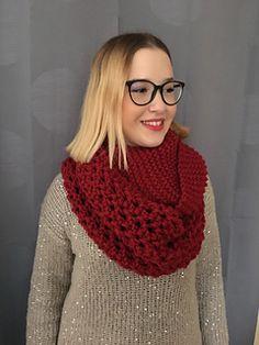 c2d509ea0d7 Lily Red Snood a été créé pour être offert comme cadeau de Noël à une jeune