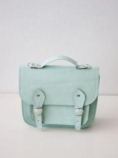 Really cute blue bag. Stunning.
