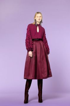 The complete Andrew Gn Pre-Fall 2018 fashion show now on Vogue Runway. The complete Andrew Gn Pre-Fall 2018 fashion show Fashion Poses, Fashion Art, Girl Fashion, Fashion Outfits, Fashion Addict, Fashion Trends, Fashion Show Collection, Couture Collection, Office Dresses For Women
