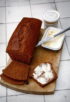 Lav et dejligt honningbrød Scandinavian Food, Danish Food, Bread And Pastries, Easy Bread, Food Goals, Creative Food, Bread Baking, Let Them Eat Cake, Food Porn