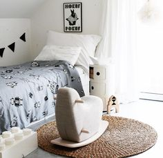 Linen bedding, minimalistic kid's bedding, designer toys. info@ooh-noo.com. Tag your photos #oohnoo www.ooh-noo.com