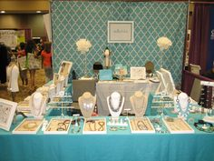 Stella Dot Tradeshow Booth - AZ Women's Expo 2011 Drape or shower curtain backdrop..cute!