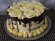 Hellena  ...din bucataria mea...: Tort cu mousse de ciocolata alba si vanilie