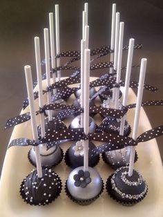 Zwarte & zilveren cakepops | Meer tips: www.jouwwoonidee....