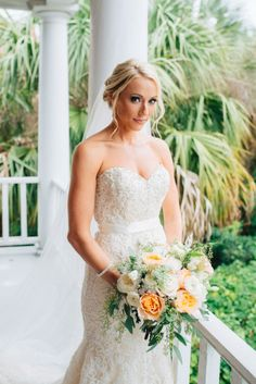 Obsessed with this gorgeous dress and bouquet combo!