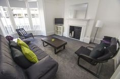 CANNON APARTMENT: Contemporary and stylish one-bed ground floor apartment sleeping up to four people. Amazing location right in the City Centre with the beach and promenade just a stones throw at the end of the street! http://www.brightonholidaylets.com/holiday-homes/brighton/cannon-apartment/90358/
