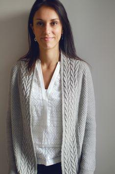 Stricken : Ravelry: Earnest cardigan pattern by Joji Locatelli, Ladies Cardigan Knitting Patterns, Crochet Cardigan Pattern, Knitting Patterns Free, Free Knitting, Crochet Patterns, Sweater Patterns, Knitting Ideas, Free Pattern, Crochet Baby Jacket