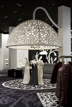 The prestigious Condé Nast Traveller Innovation and Design Awards 2009 short listed Marcel Wanders for the interior design of the Villa Moda store in Bahrain - a multibrand luxury fashion store founded by Sheikh Majed, in the Retail category. Retail Interior Design, Retail Store Design, Boutique Interior, Retail Stores, Visual Merchandising, Visual Display, Display Design, Vitrine Design, Shop Window Displays