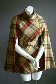 Plaid dress best outfits Take a look at the best Plaid dress in the photos b. - Plaid dress best outfits Take a look at the best Plaid dress in the photos below and get ideas - 1960s Fashion, Look Fashion, Autumn Fashion, Vintage Fashion, Fashion Design, Fashion Coat, Sporty Fashion, Ski Fashion, Trendy Fashion