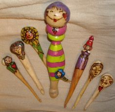 These are the crochet hooks made by Noreen Crone Findlay. I have them here and they are divine!