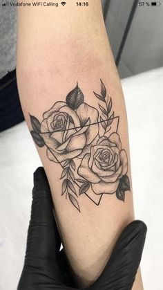 Liebe diese Rosen – tattoos for women small Tattoos Bras, Mini Tattoos, Cute Tattoos, Beautiful Tattoos, Body Art Tattoos, Sleeve Tattoos, Tatoos, Forearm Flower Tattoo, Forearm Tattoos