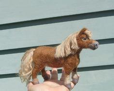 Nadel Gefilzte Tier Skulptur / handgemachte Unikate Pony / Cute Poseable / Geschenkidee