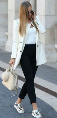 39 Simple Work Outfits To Look Flawless 😅 39 Simple Work Outfits To Look Flawless – Trendy Fashion Ideas. Simple Work Outfits, Spring Work Outfits, Classy Outfits, Chic Outfits, Fashion Outfits, Fashion Ideas, Fall Outfits, Sneakers Outfit Work, Sneaker Outfits Women