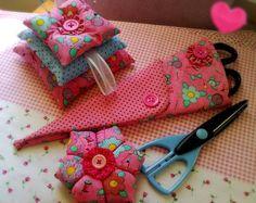 Kit para suas costurinhas tecido de algodão, feltro e manta acrílica Porta tesoura