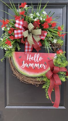 Beautiful Spring Wreath Ideas For Front Door Decor Wreath Crafts, Diy Wreath, Tulle Wreath, Wreath Ideas, Wreath Making, Ornament Wreath, Front Door Decor, Wreaths For Front Door, Entryway Decor