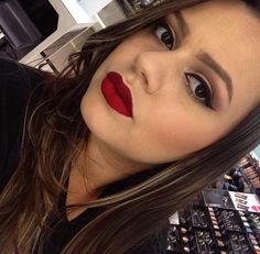 A @gessikapontes, do Beauty Team da NYX do Shopping RioMar de Fortaleza divou com o Soft Matte Lip Cream Monte Carlo
