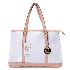 I love this Michael Kors bag! , , michael kors handbags on sale Sac Michael Kors, Michael Kors Bags Outlet, Michael Kors Shoulder Bag, Handbags Michael Kors, Shoulder Bags, Fashion Handbags, Fashion Bags, Fashion Trends, Women's Fashion