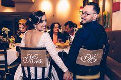 A publicitária Camilla Fernandes Horizonte, 32 anos, e o designer Wesley Horizonte, 32 anos, em seu casamento em um restaurante de São Paulo