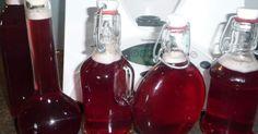 Kirsch - Amaretto - Likör, ein Rezept der Kategorie Getränke. Mehr Thermomix ® Rezepte auf www.rezeptwelt.de
