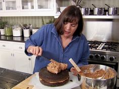 Ina Garten has the best dessert recipes. And chocolate cake is the best dessert. Barefoot Contessa Chocolate Cake, Ina Garten Chocolate Cake, Beattys Chocolate Cake, Chocolate Cake Recipe Videos, Chocolate Recipes, Chocolate Buttercream, Vanilla Buttercream, Buttercream Frosting, Vanilla Cake