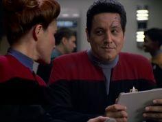 Harry: I heard you and the Captain hooked up last night. Chakotay: You heard right. Captain Janeway, Captain Hook, Star Trek Voyager, Star Trek Tos, Robert Beltran, Watch Star Trek, Cast Images, Kate Mulgrew, Starship Enterprise