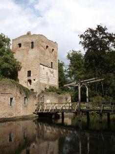 10 Nederlandse dorpen en kleine steden waar je geweest moet zijn. Wijk bij Duurstede Het iconische kasteel Duurstede.