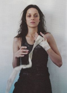 Marion Cotillard about to punch someone out.