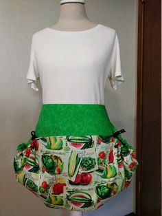 Bright green and red veggie harvest apron, basket apron, large pocket apron, harvesting apron, produce gathering apron, gathering apron by NWCreativeKeepsakes on Etsy Waist Apron, Gardening Apron, Half Apron, Apron Pockets, Red Gingham, Bright Green, Black Tie, Aprons, Harvest