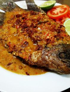 Just Try & Taste: Pecak Ikan Gurame Prawn Noodle Recipes, Fish Recipes, Seafood Recipes, Asian Recipes, Cooking Recipes, Healthy Recipes, Ocean Food, Indonesian Cuisine, Indonesian Recipes