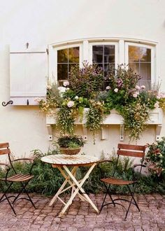 French Country Garden Cottage: my house needs window boxes! Outdoor Rooms, Outdoor Gardens, Outdoor Dining, Outdoor Seating, Outdoor Cafe, Indoor Outdoor, Cottage In The Woods, Cozy Cottage, Cottage Living