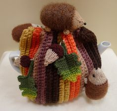 Hedgehogs and acorns tea cosy Knitted Tea Cosies, Knitted Hats, Types Of Tea, Tea Cozy, Best Tea, Cozies, Hedgehogs, Small Things, Teapots