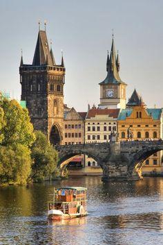 PRAGA, POLAND