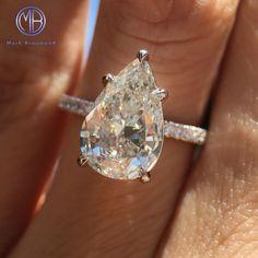 Shine bright like a diamond! 3.06ct pear shaped diamond engagement ring.