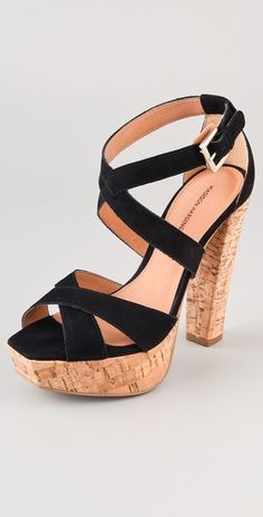 the cork on the bottom make them really light weight and comfortable.