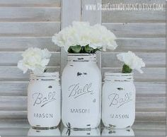 Painted and distressed mason jars in Annie Sloan Chalk Paint Pure White by elaineevents