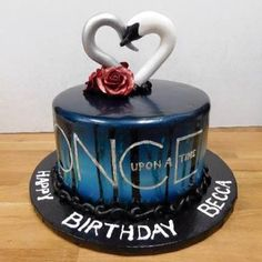 I absolutely love this Once Upon A Time cake! Once Upon a Time Birthday Cake . Once Upon a Time birthday cake including icons from the show – PJ xOnce Upon Cupcakes, Cake Cookies, Cupcake Cakes, Once Upon A Time, Ouat, My Birthday Cake, 13th Birthday Cakes, Disney Cakes, Captain Swan
